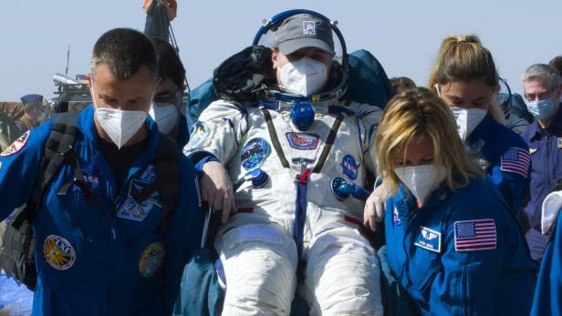 TOPSHOT-SPACE-RUSSIA-US-AEROSPACE