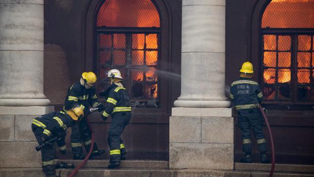 SAFRICA-FIRE-LIBRARY-UNNIVERSITY