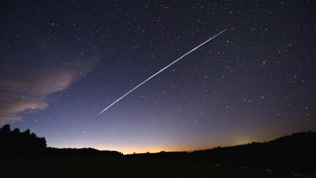 TOPSHOT-URUGUAY-SPACE-SPACEX-SATELLITE-STARLINK