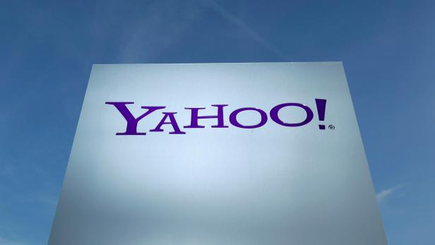 FILE PHOTO: A Yahoo logo is pictured in front of a building in Rolle