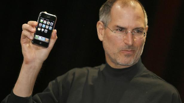 FILES-US-TECHNOLOGY-APPLE-IPHONE-ANNIVERSARY