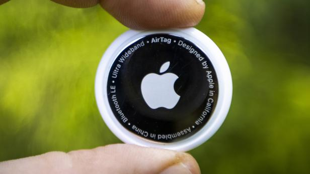 Apple enters tracking market with AirTag
