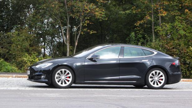 Autotest, Tesla P90D