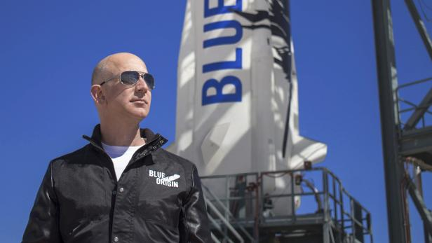 Jeff Bezos to be on first crewed space flight of his company