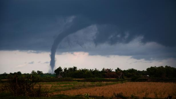 Tornado on the plains