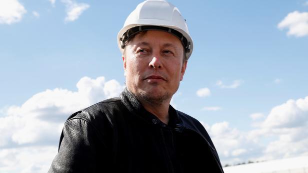 FILE PHOTO: Tesla's gigafactory in Gruenheide
