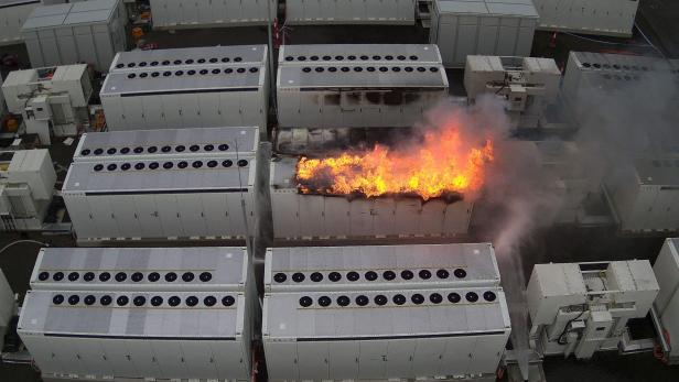 AUSTRALIA-TESLA-ENERGY-FIRE