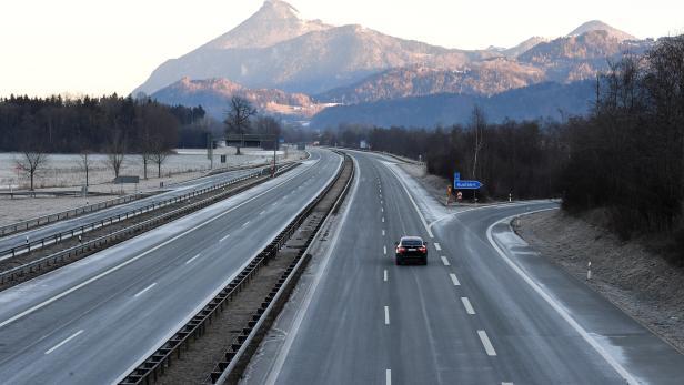 Coronavirus - Grenzkontrollen zu Tirol