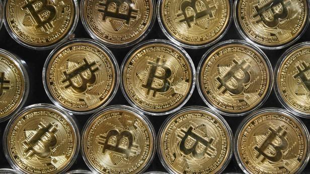 FILES-WORLD-ECONOMY-STOCK-BITCOIN