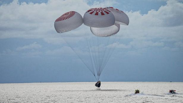 SpaceX Inspiration4 mission safely splashes down in SpaceX's Crew Dragon capsule off the coast of Kennedy Space Center