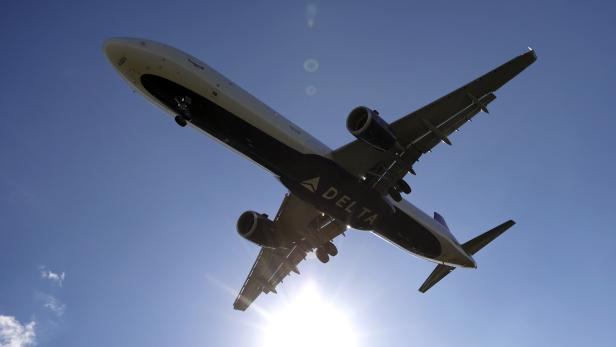 CDC Warns Against Americans Travelling for Holiday