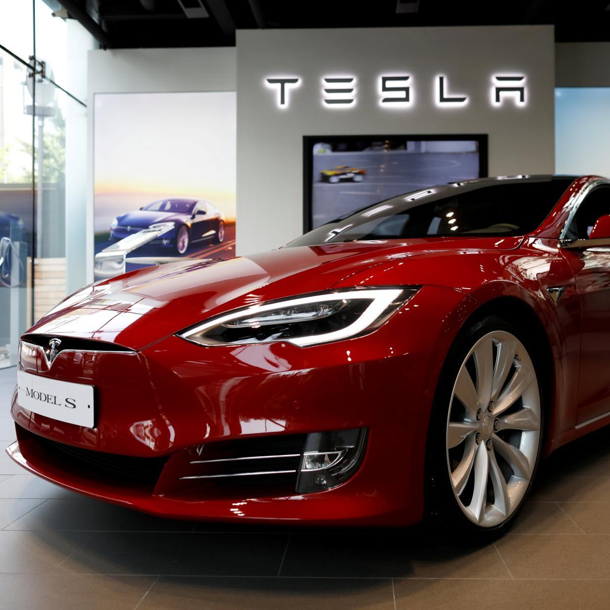 Tesla-Besitzer protestieren wegen Preissenkungen