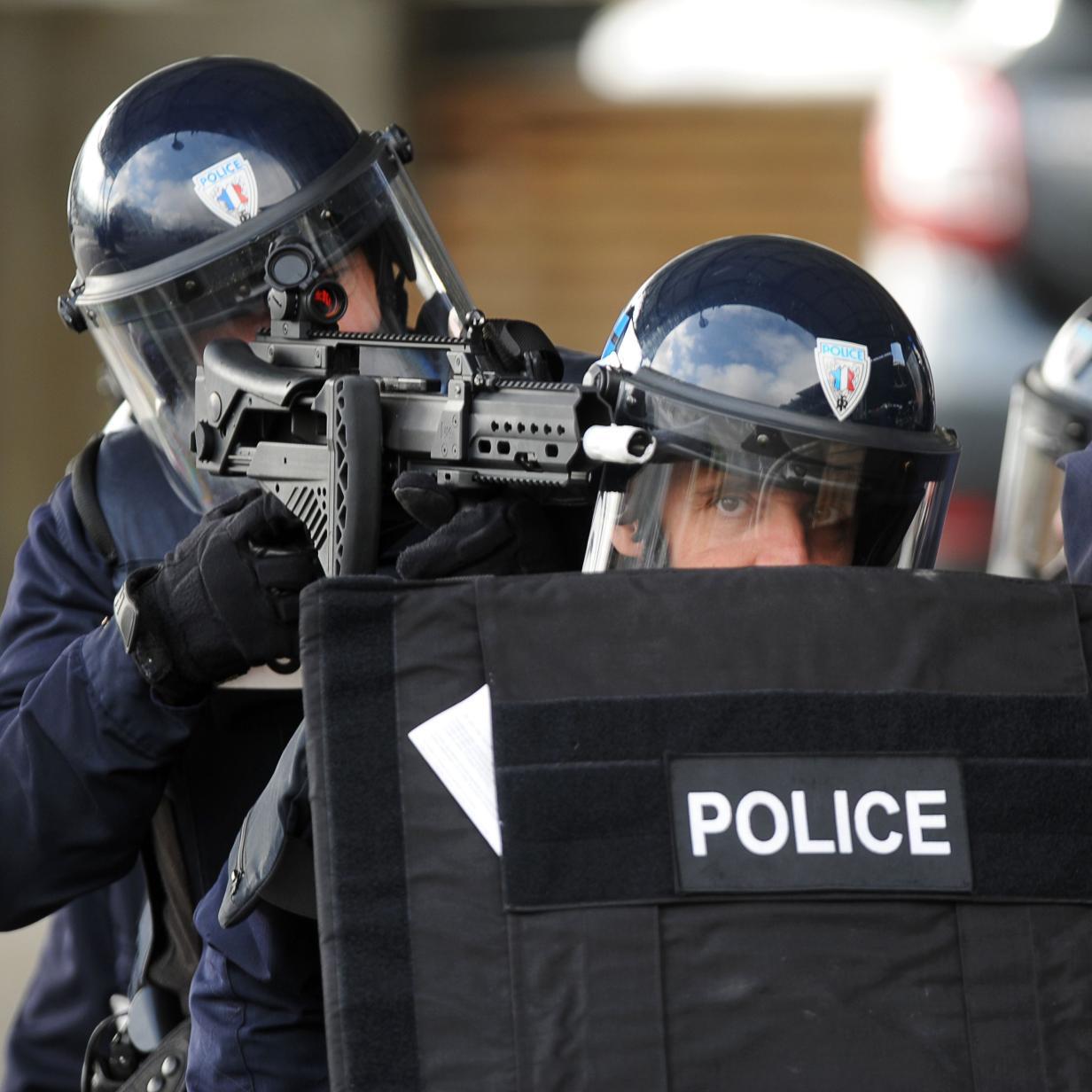 Ins Netz gegangen: Polizeikommando versus Staubsaugroboter
