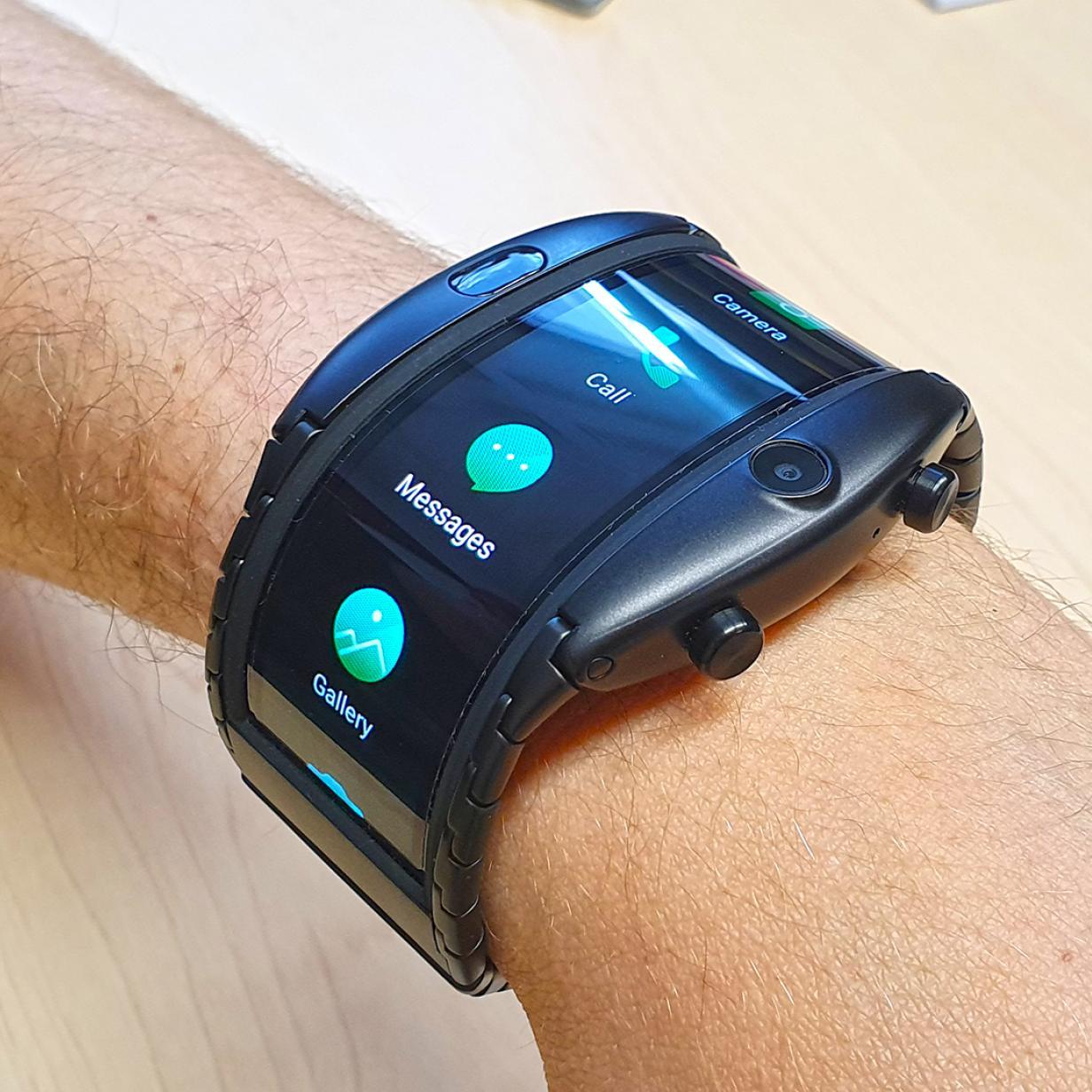 Nubia Alpha im Test: Das kann die Smartwatch mit biegbarem Display