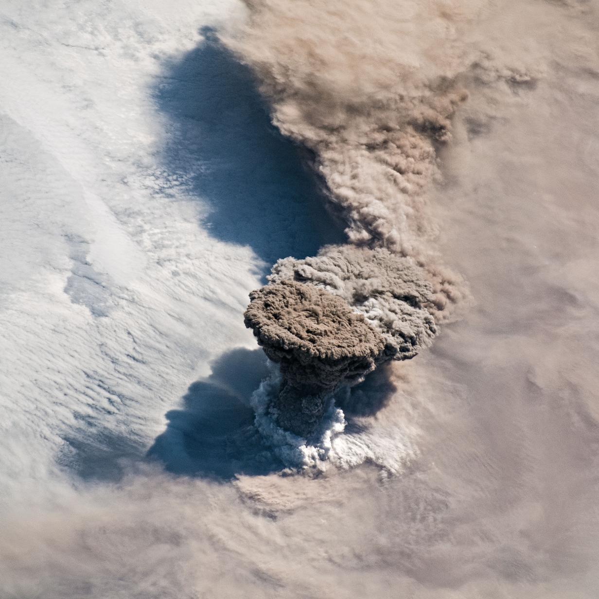 ISS-Astronauten fotografieren spektakulären Vulkanausbruch