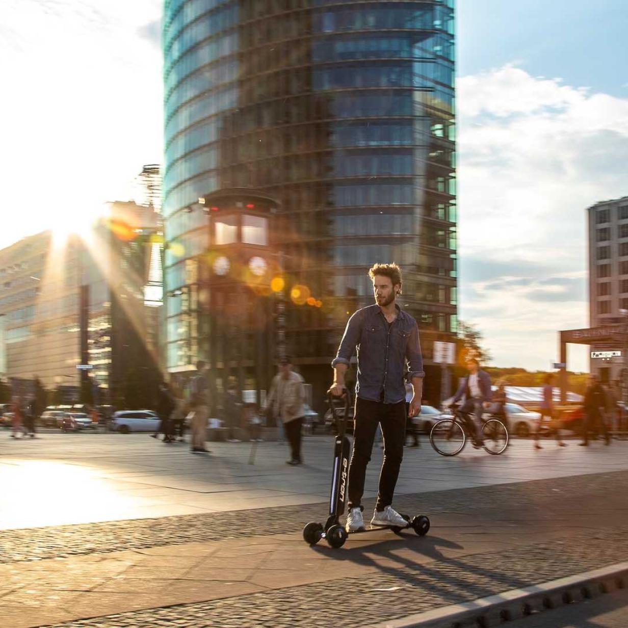 Wegen tödlicher Unfälle: E-Roller-Verleih wird in der Nacht verboten