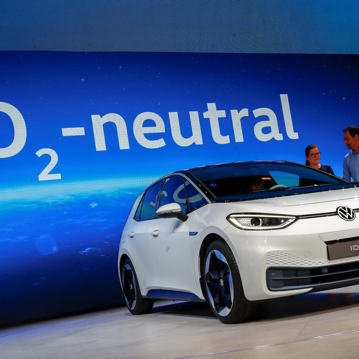 Hersteller zielen mit E-Autos auf den Massenmarkt ab