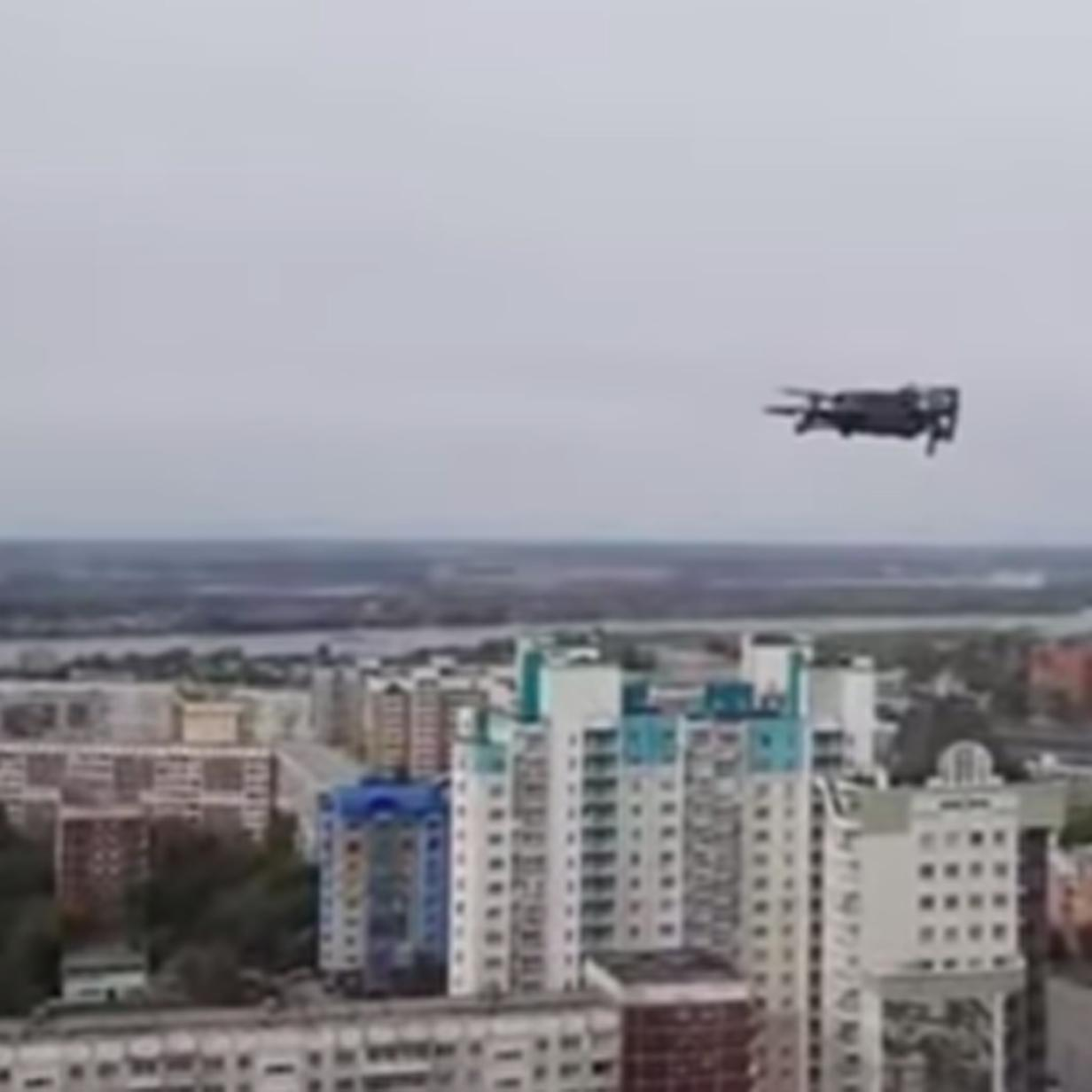 Video: Russischer Aktivist bringt Daten mit Drohne vor Polizei in Sicherheit