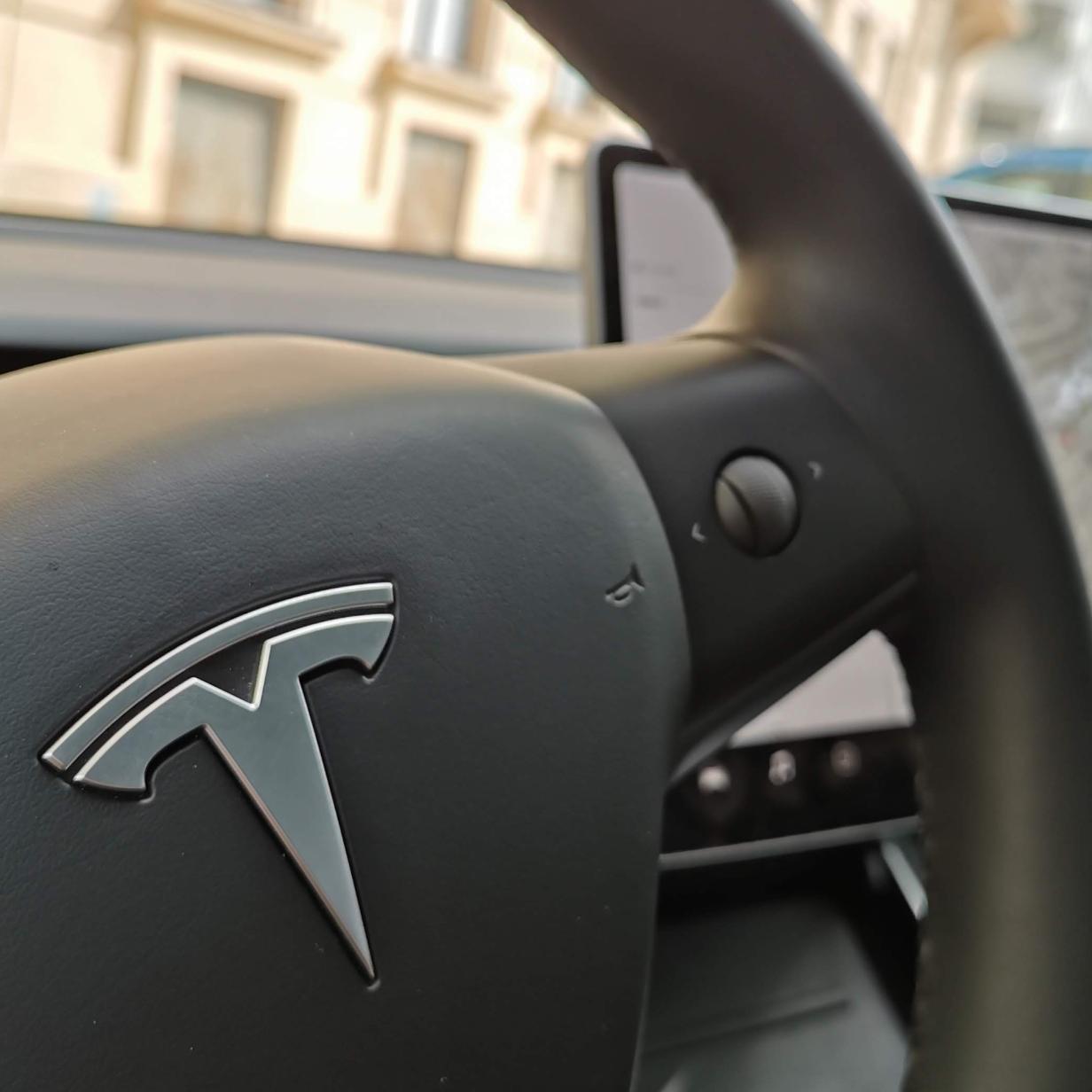 Neue Tesla-Software V10: Was das Update bringt