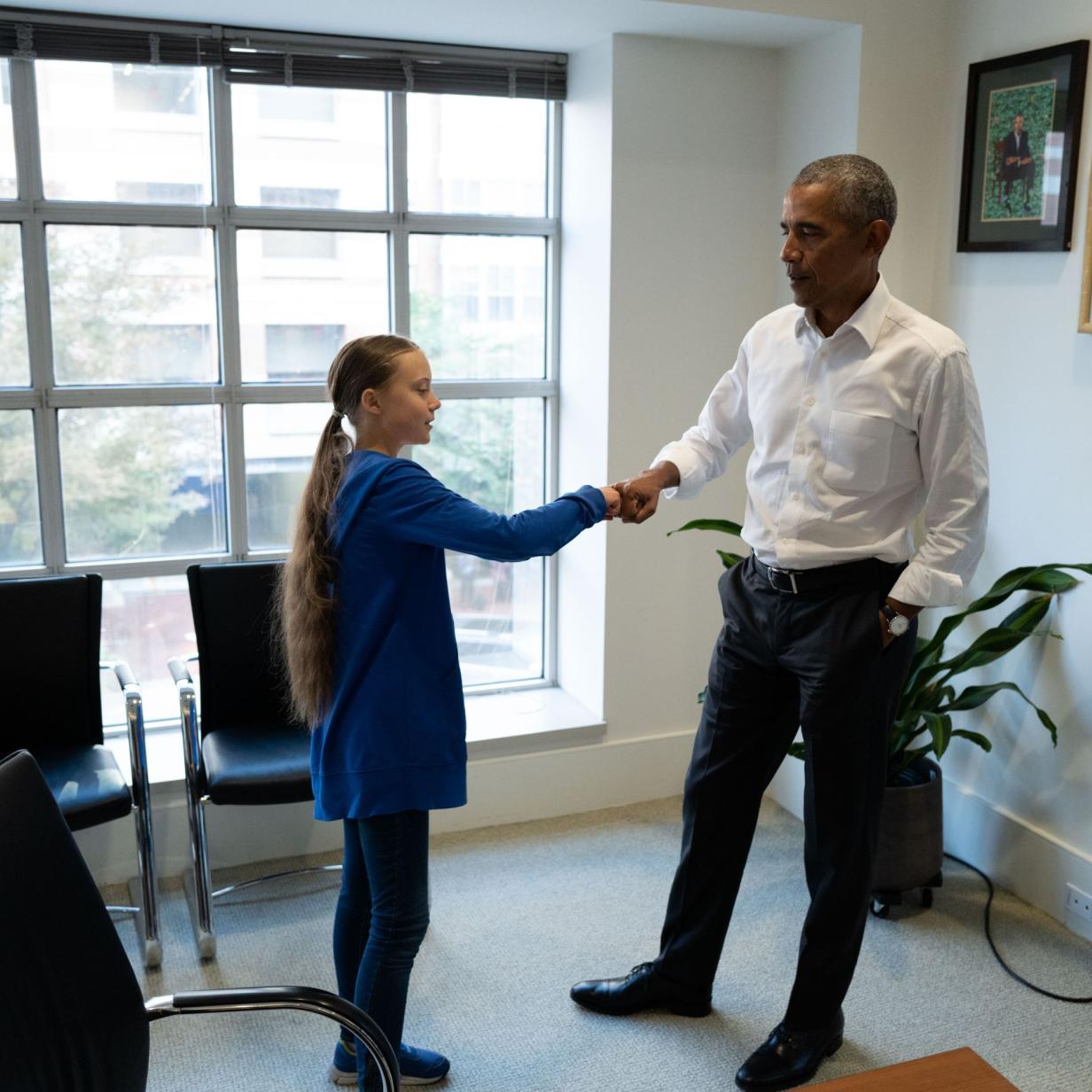 """""""Fist Bumping""""-Video zwischen Greta und Obama geht viral"""