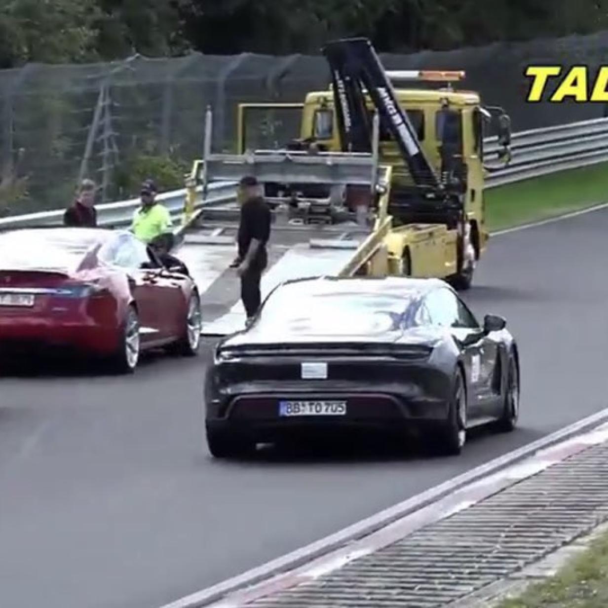 Schadenfreude am Nürburgring: Taycan überholt defektes Model S