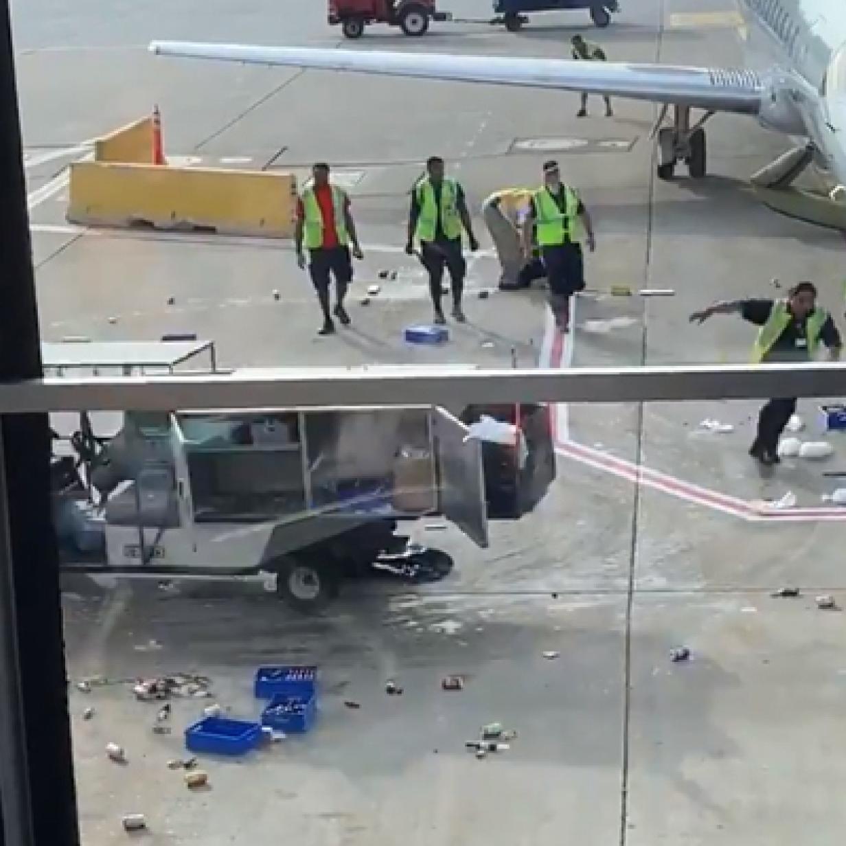 Ins Netz gegangen: Wenn am Flughafen ein Catering-Wagen durchdreht