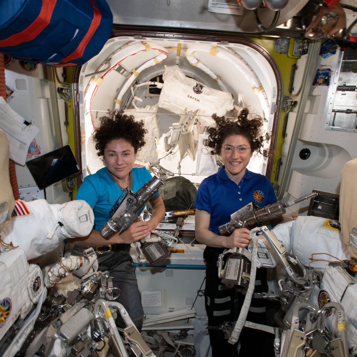 Livestream: Erster Frauen-Spacewalk der NASA startet