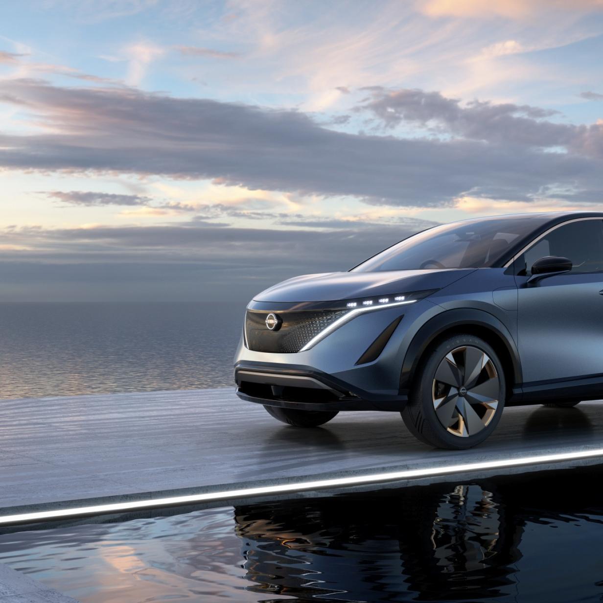 """Nissan präsentiert Elektro-SUV, nennt es """"schlank"""" und """"sexy"""""""