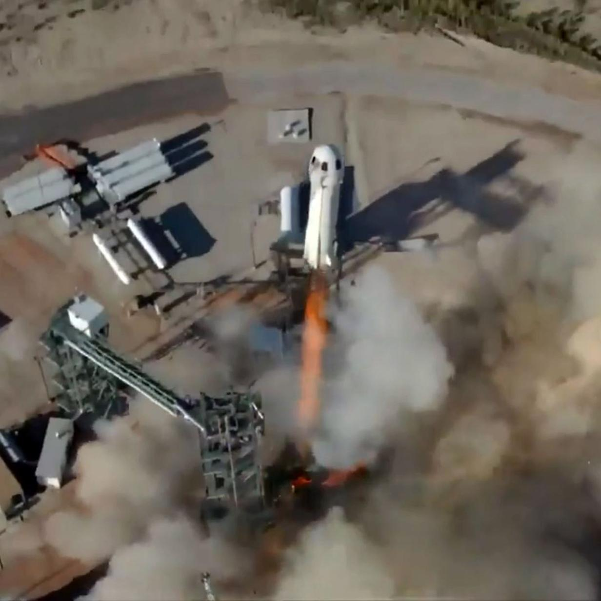 Video: Blue-Origin-Rakete fliegt 104 Kilometer hoch