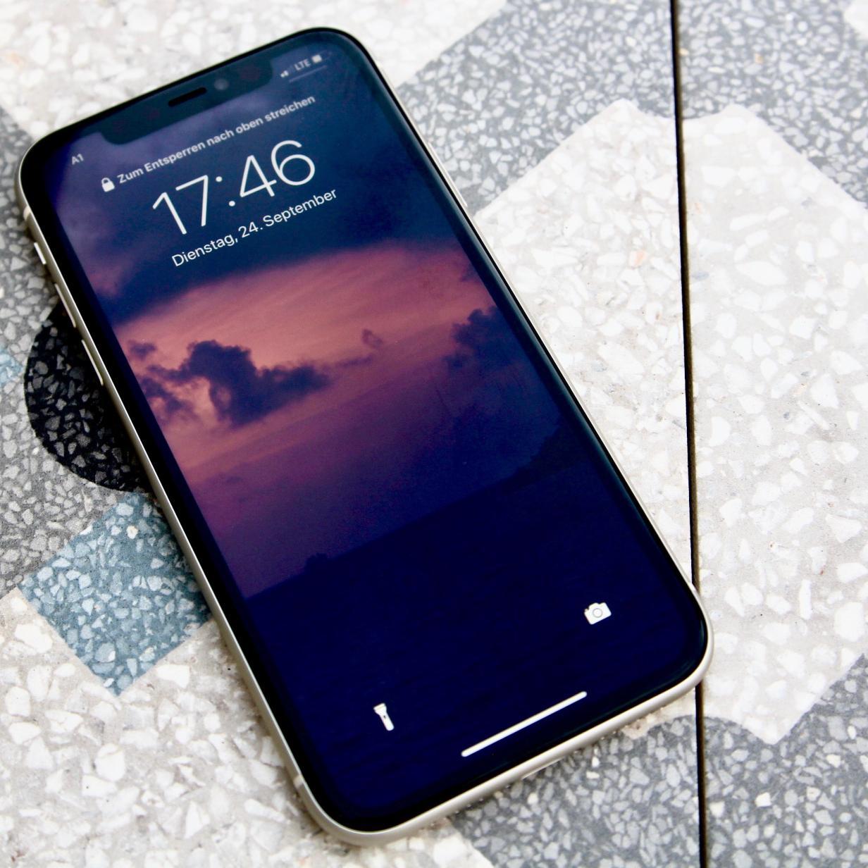Apple plant kleines iPhone 12 mit OLED-Display