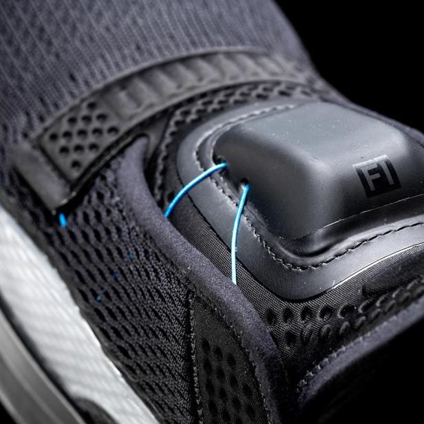 Selbstbindender Schuh von Nike nach Software Update kaputt
