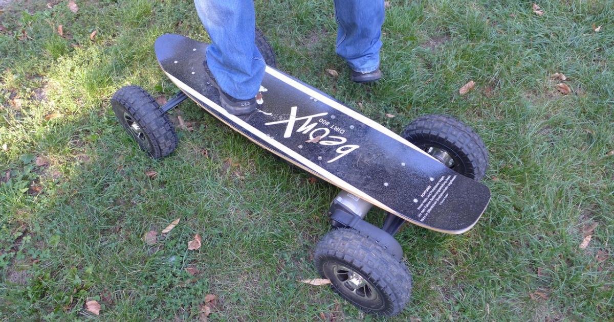 elektro skateboard mit 30km h spitze im test. Black Bedroom Furniture Sets. Home Design Ideas