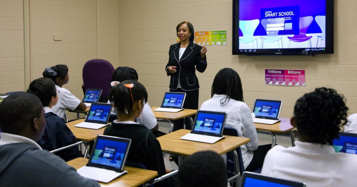 """""""Digitalisierung an Schulen viel zu lange aufgeschoben ..."""