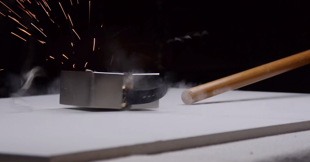 YouTuber zerstört 11.000-Euro-Apple-Watch mit Magneten
