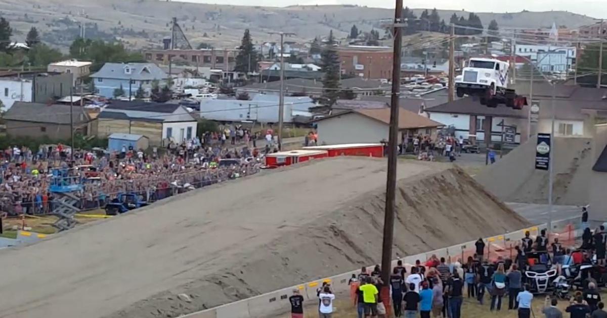 Truck springt 51 Meter weit
