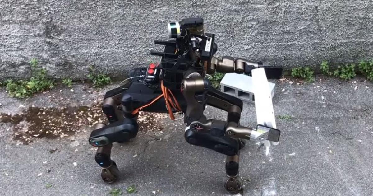 Rettungsroboter Centauro schaut wie ein rollender Pferdemensch aus