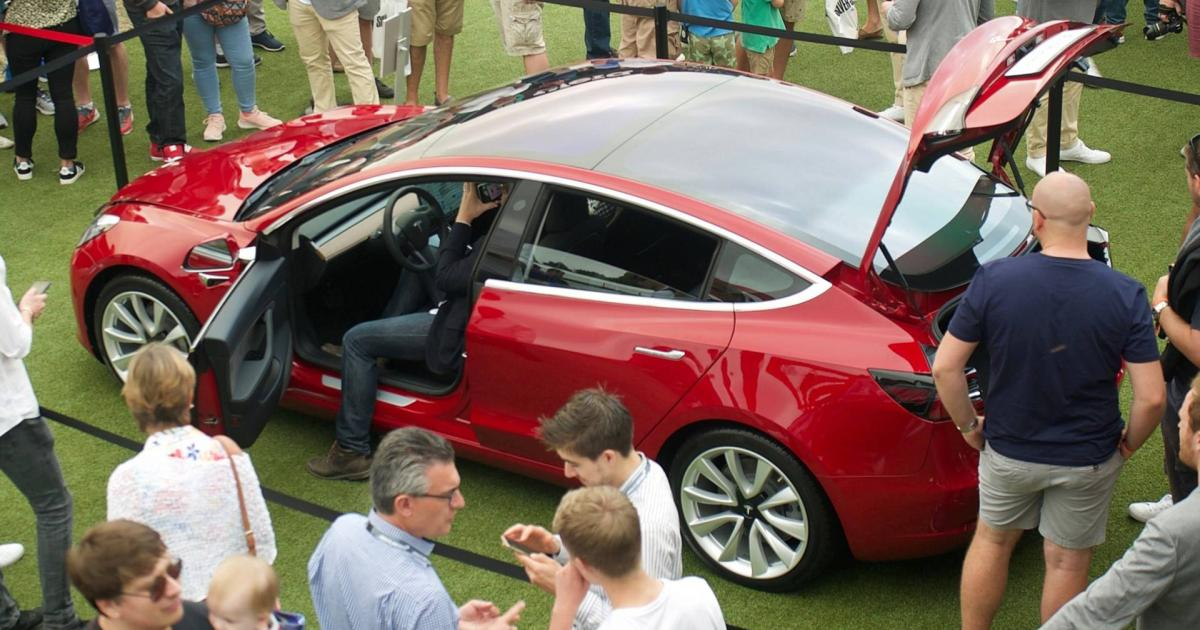 Zu teuer: Tesla streicht kostenloses Laden für angeworbene Freunde