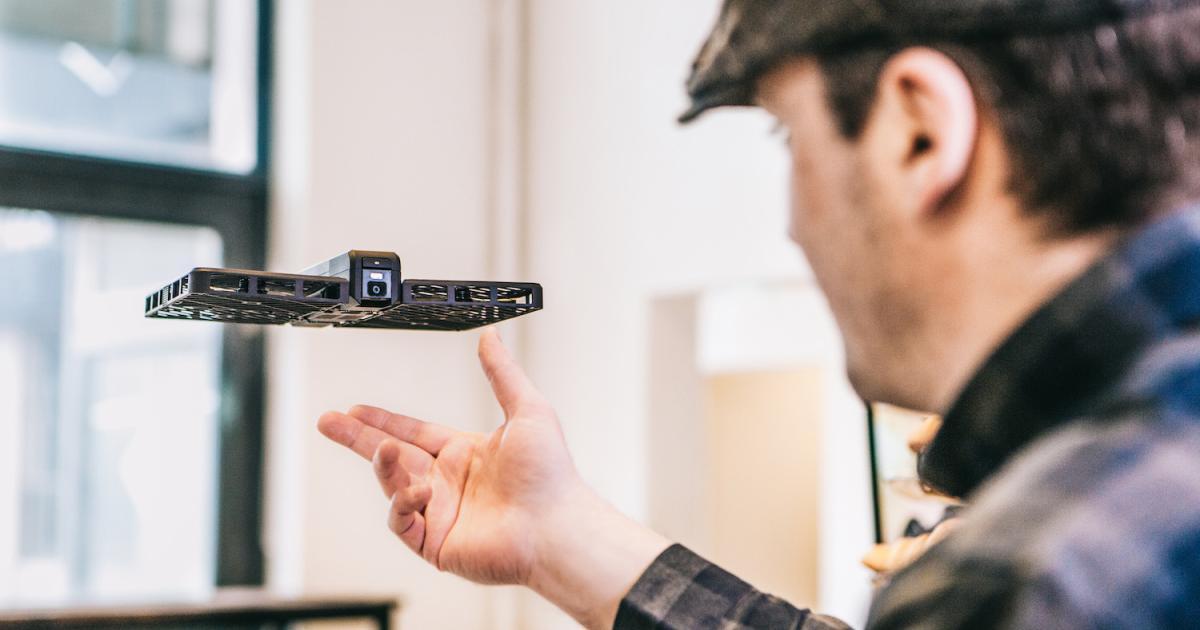 Selfie-Drohne schießt Fotos aus der Luft