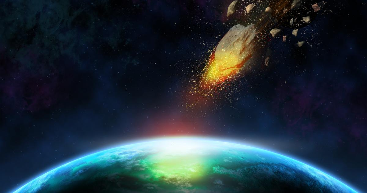 Meteorit explodiert mit der Kraft von zehn Atombomben in Erdatmosphäre