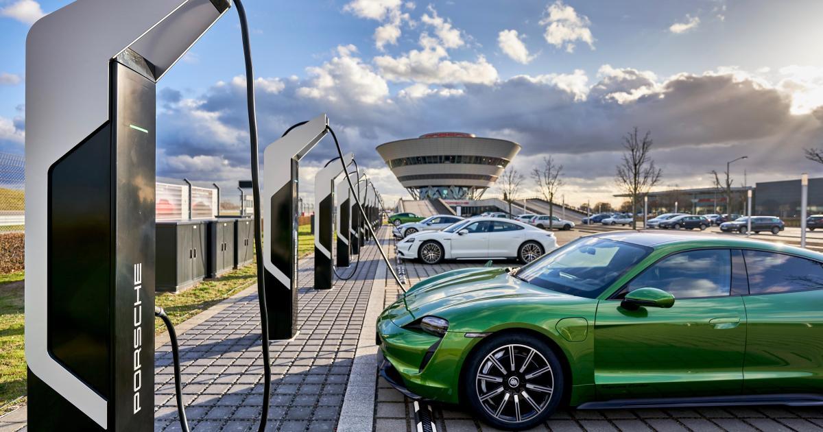 Porsche Turbo Charger stellt Tesla Supercharger in den Schatten