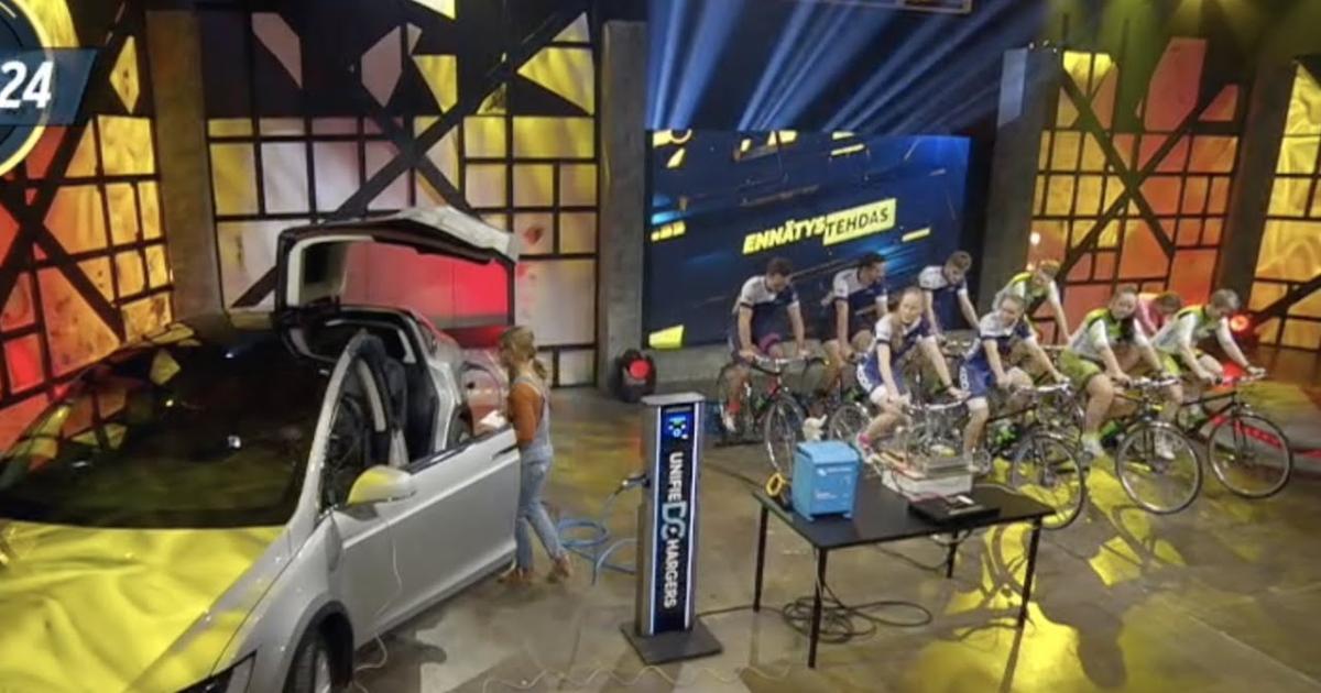 Radfahrer laden Tesla durch Muskelkraft auf