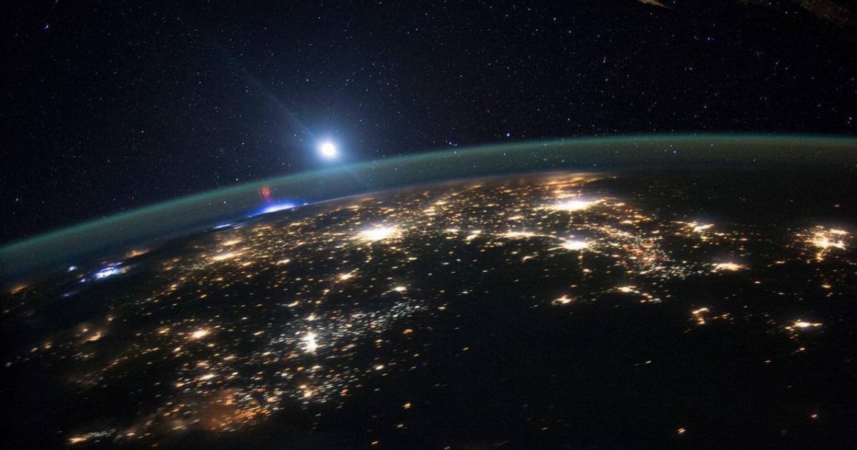 """Astronauten schießen Fotos von """"Roten Kobolden"""""""