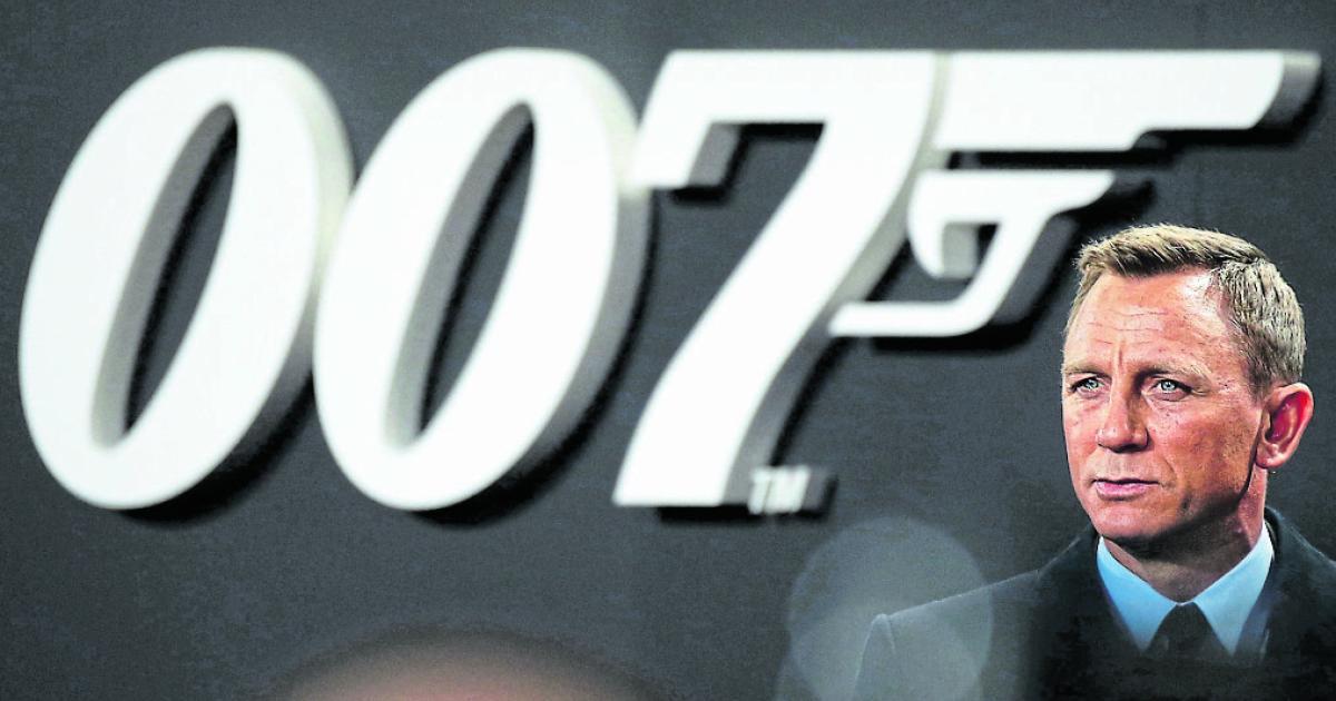 Alte-Smartphones-James-Bond-Szenen-m-ssen-nachgedreht-werden