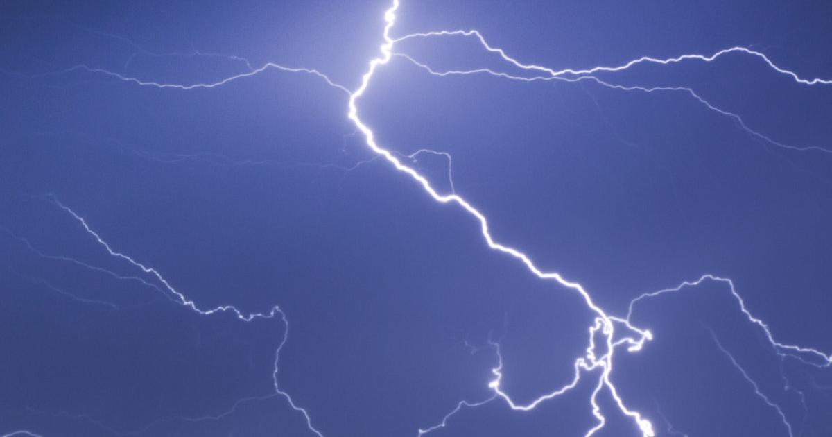 Forscher erzeugen mit Lasern Blitze in Gewitterwolken