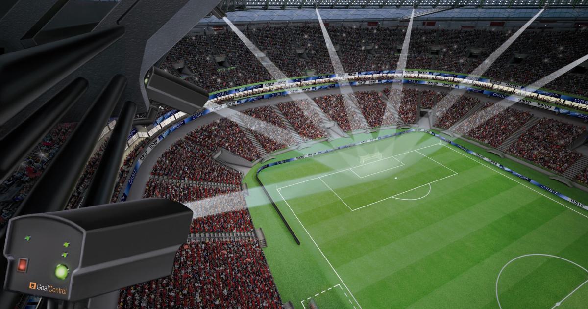 Fußball: Kameras entscheiden künftig über Abseits und Foul