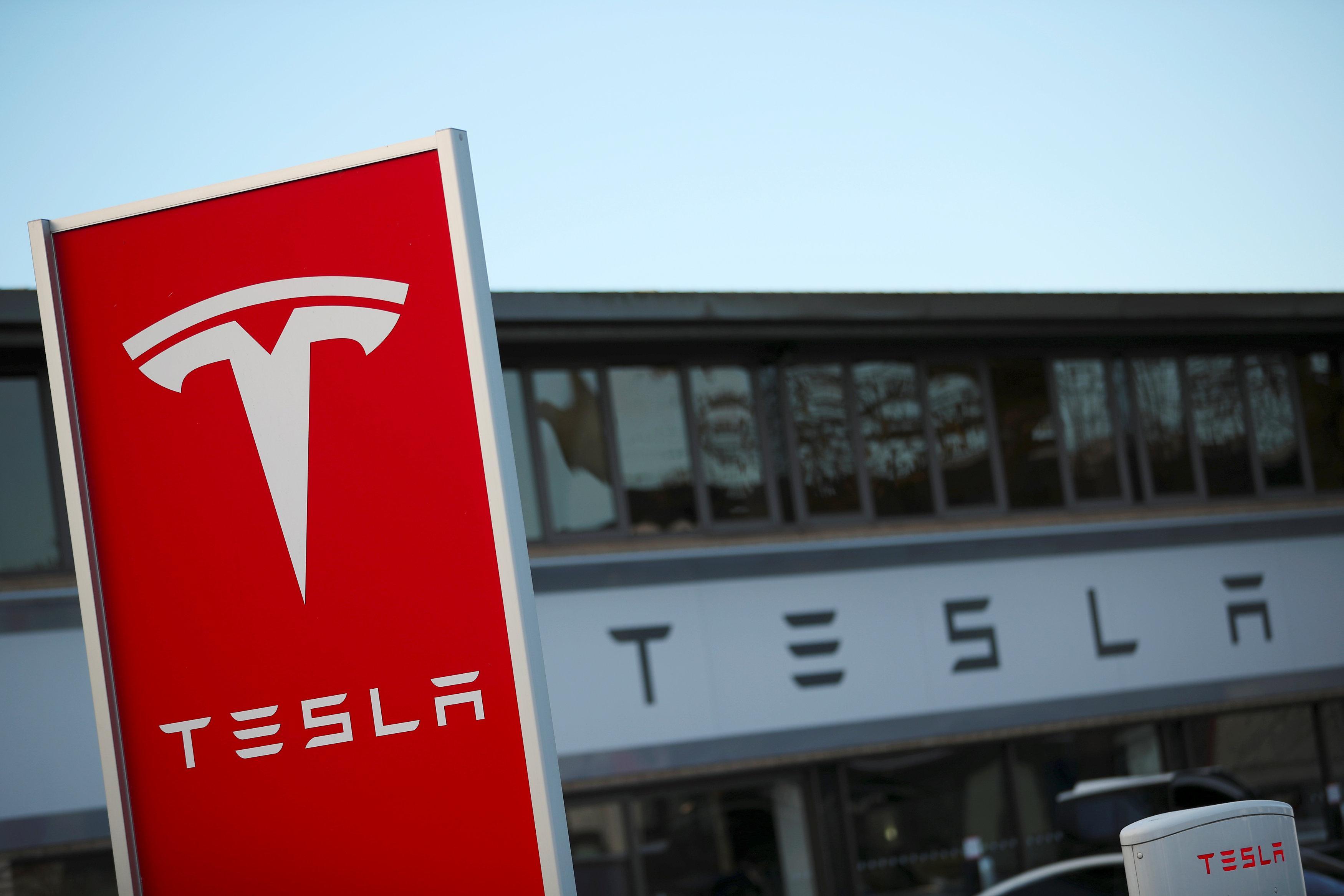 Tesla errichtet Forschungszentrum in Griechenland