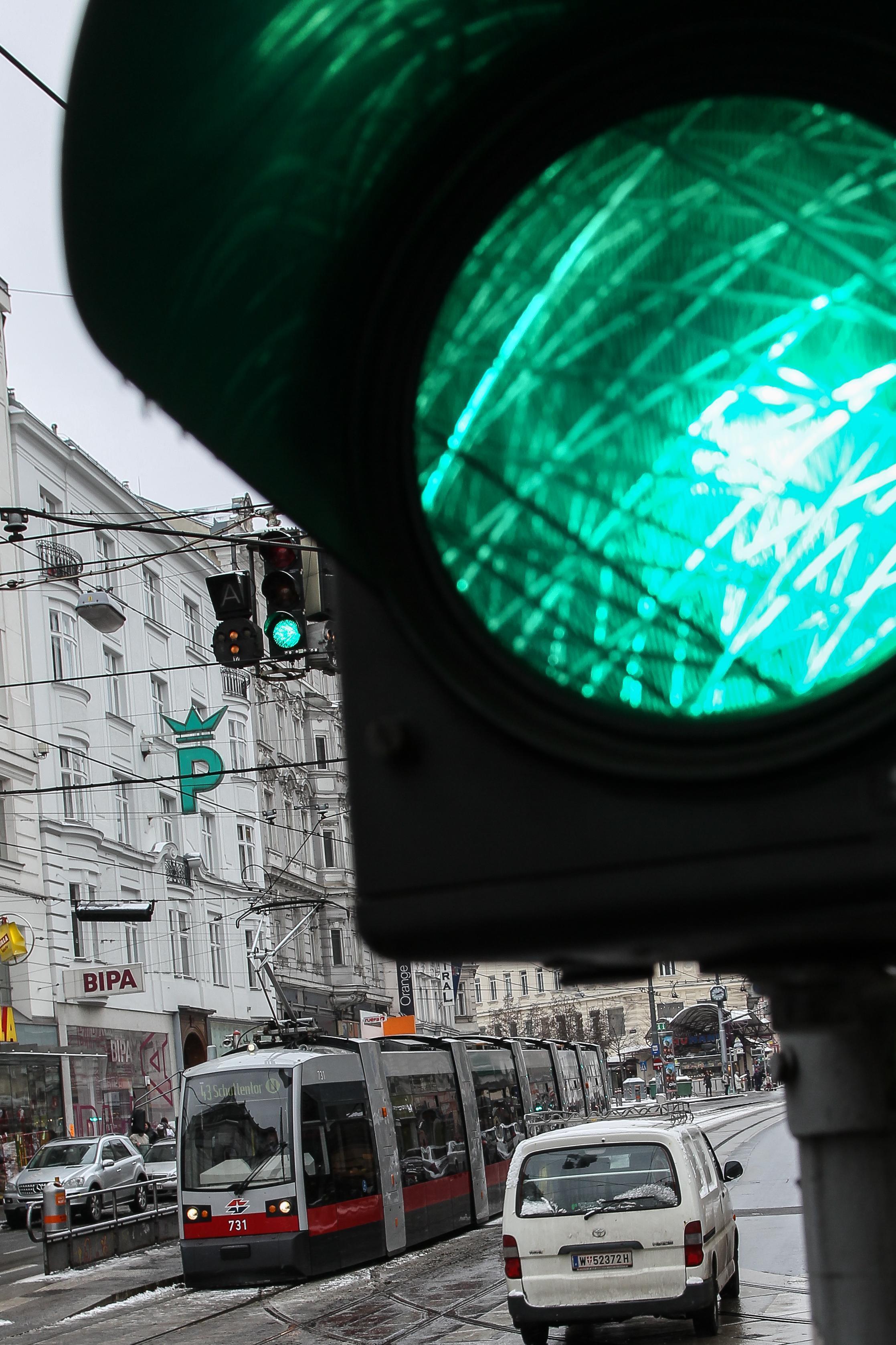 1200 Wiener Ampeln bekommen Wettersensoren
