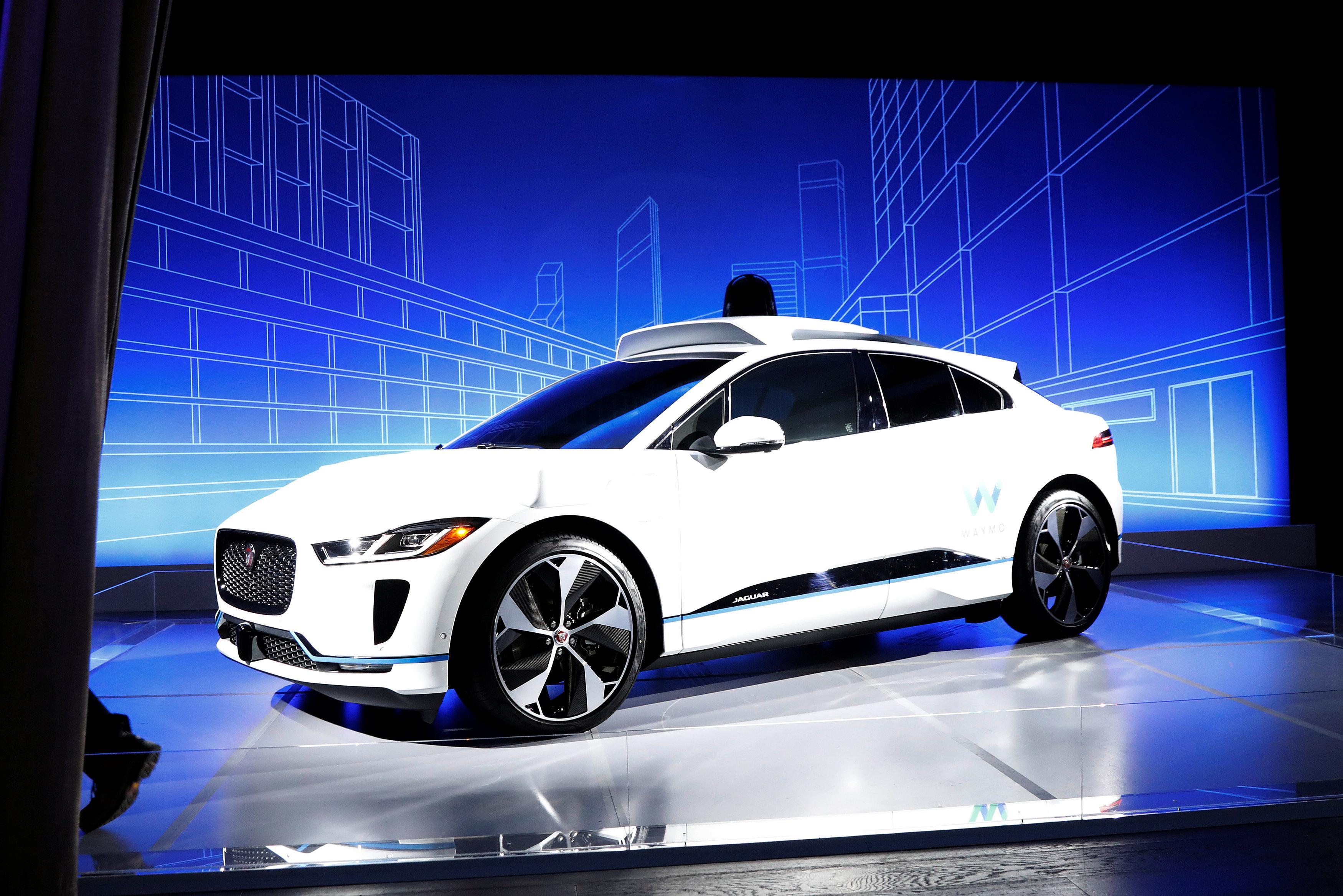 Waymo baut Jaguars Elektro-SUVs zu Roboter-Taxis um
