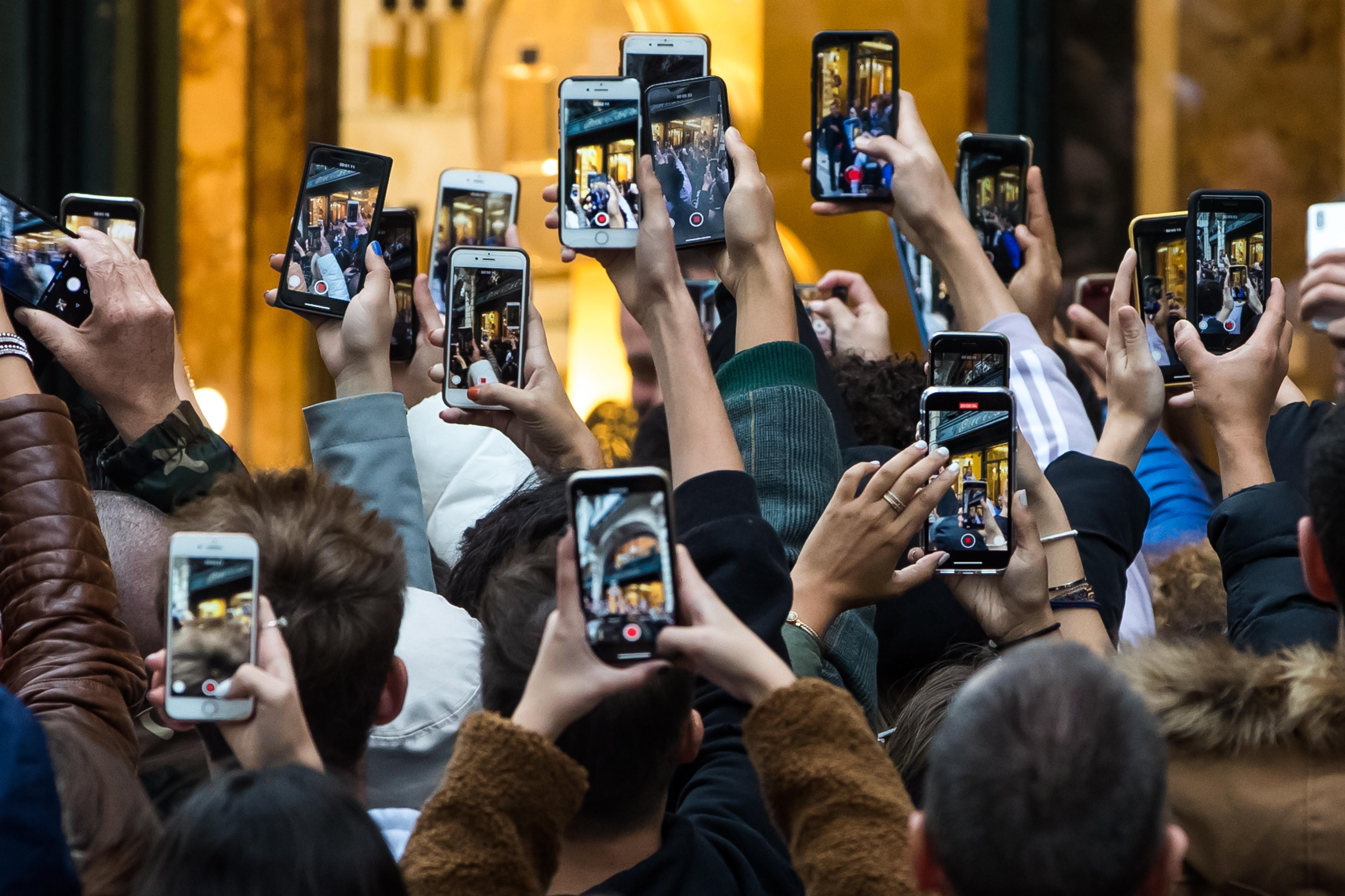 Stiftung Warentest: Das ist der beste Handy-Hersteller thumbnail